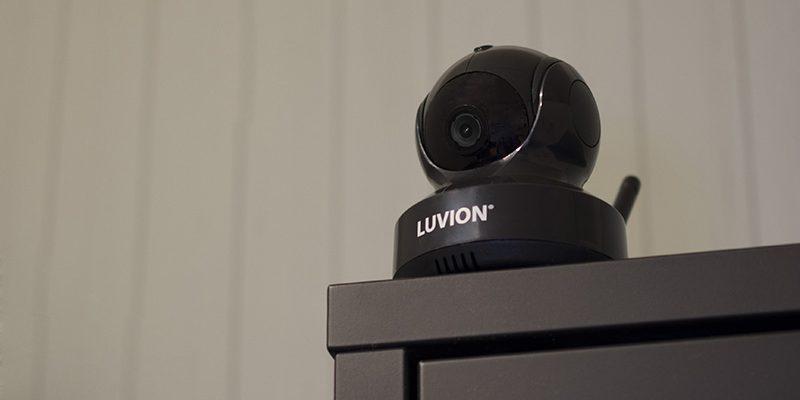 luvion essential black edition camera